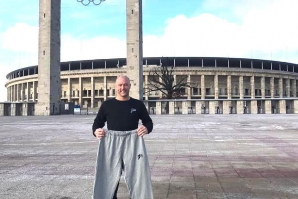 Berlinben a szürke nadrág-The K1RALY sweat pants in Berlin